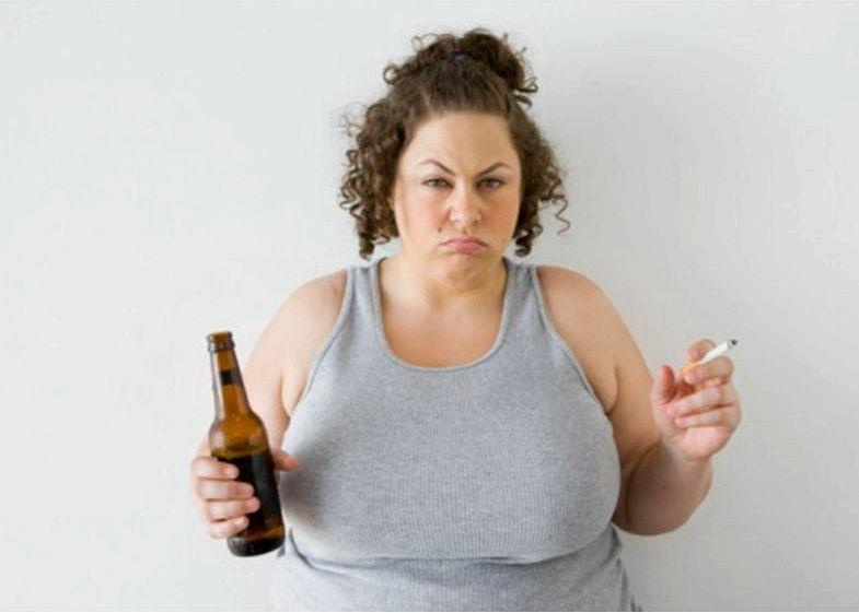 Алкоголь и лишний вес То, что алкогольные напитки являются