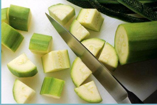 Кабачки правильное питание Заправить овощи соусом
