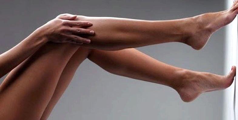 Как убрать жир на ногах и бедрах руки вытяните вперед