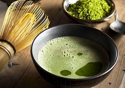 Матча чай помогает сжигать жиры и калории молоком, по отзывам