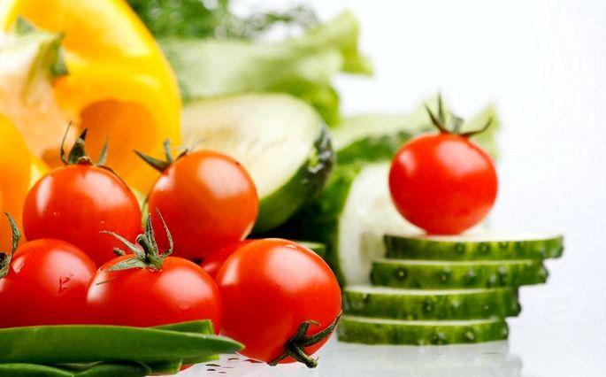 Здоровое питание летом Летнее меню         Составляя летнее меню