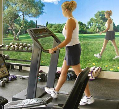 Беговые тренировки для сжигания жира ближайшем парке, за городом или