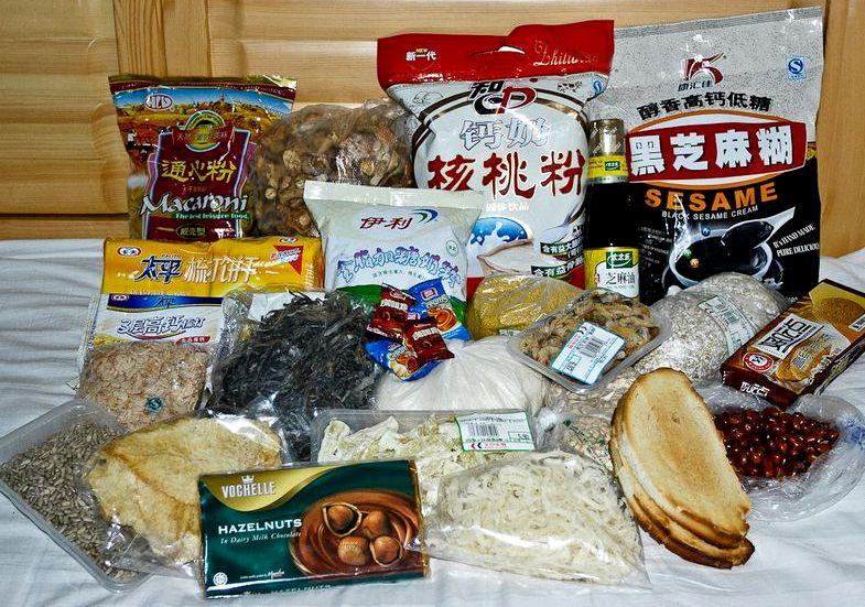 Какие продукты брать в поход Резать хлеб на мелкие кусочки