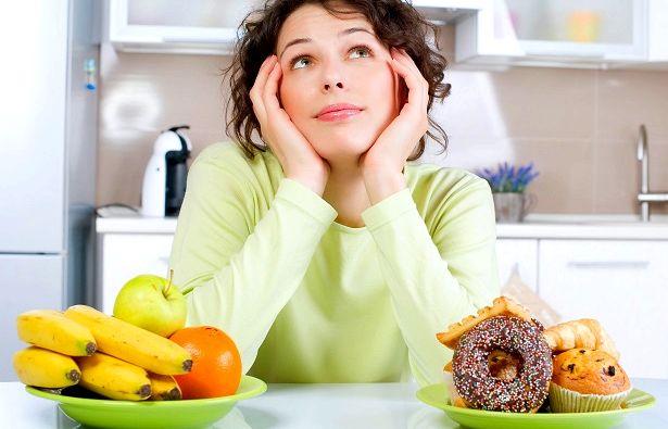 Правильное питание кормящей мамы виде сырников, творожной запеканки