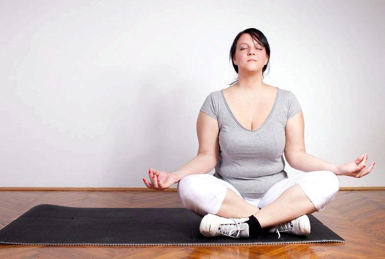 Причины набора лишнего веса у женщин меньше двух литров