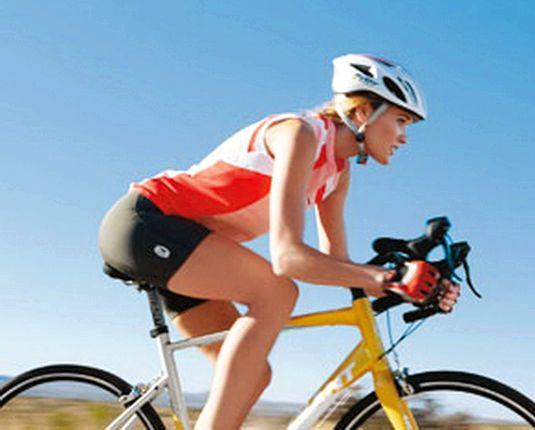 Реально сбросить вес катаясь на велосипеде рулем, что обеспечит правильную посадку