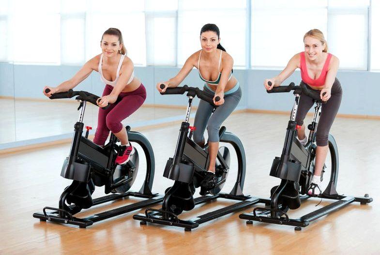 Правильная Тренировка На Велотренажере Для Похудения. Какие мышцы работают при занятиях на велотренажере